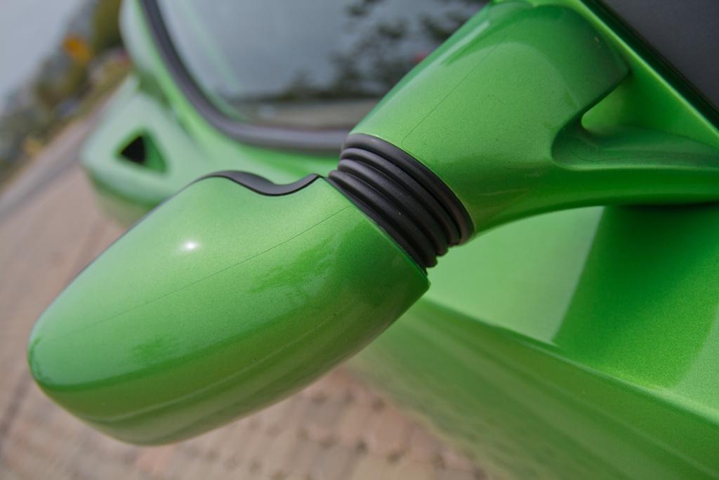 tesla-roadster-sport-lightning-green-18