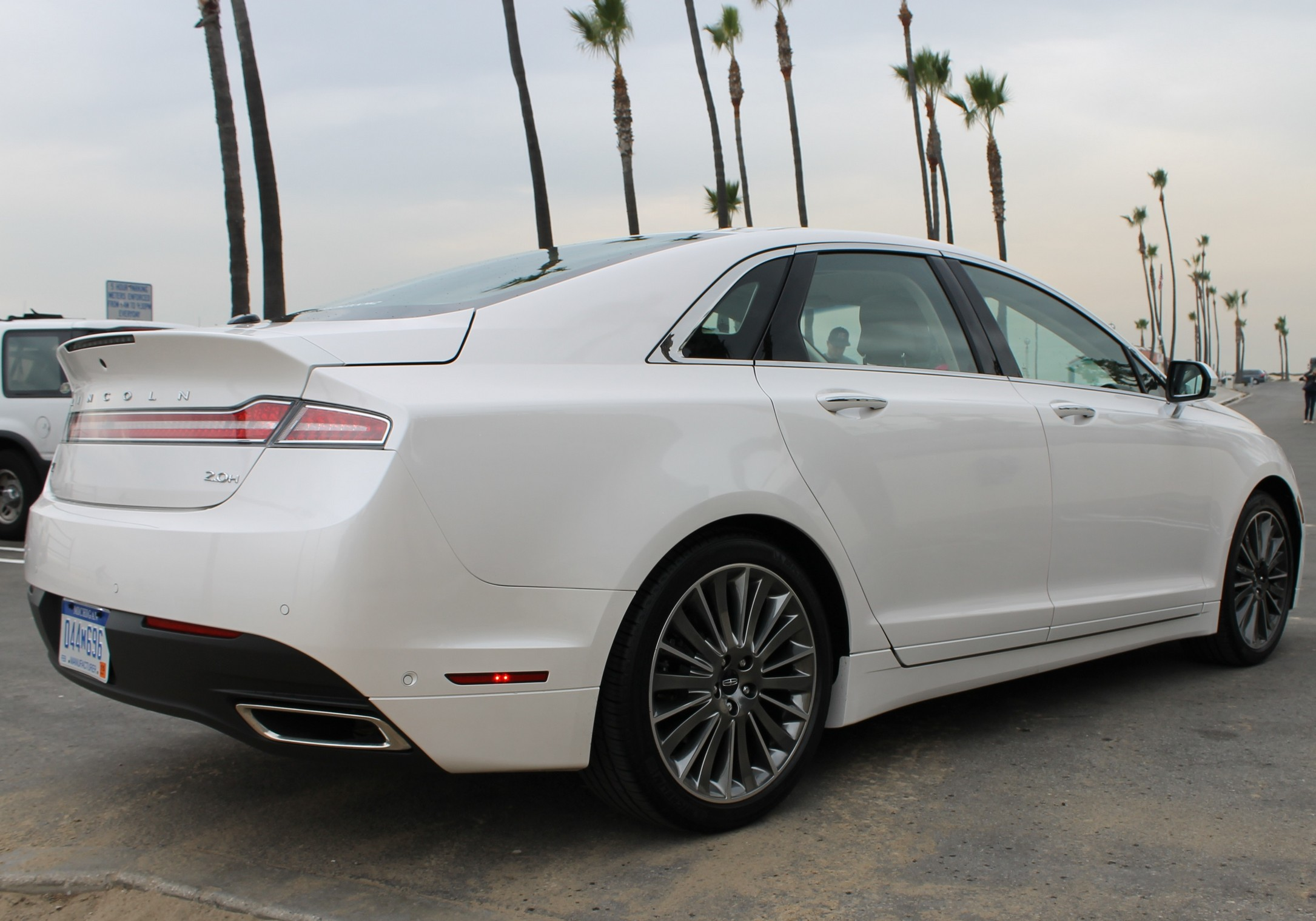 Road Test 2013 Lincoln Mkz Hybrid The Great White Hope The