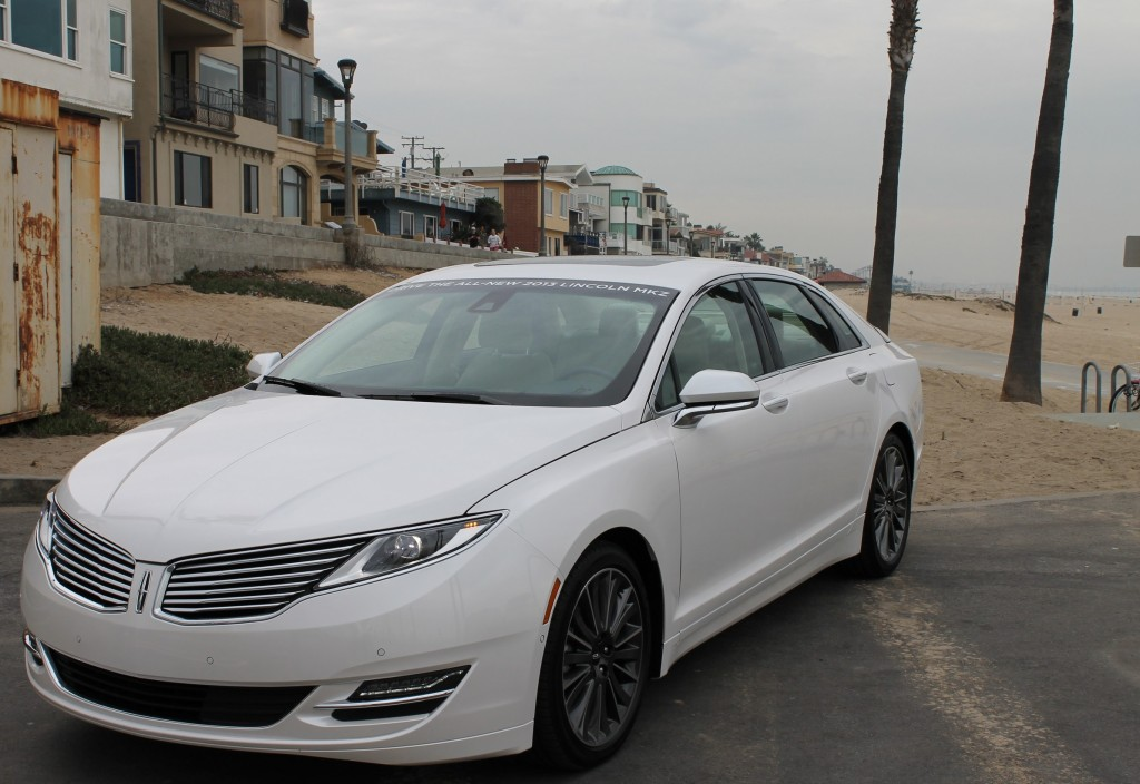 road test 2013 lincoln mkz hybrid the great white hope. Black Bedroom Furniture Sets. Home Design Ideas