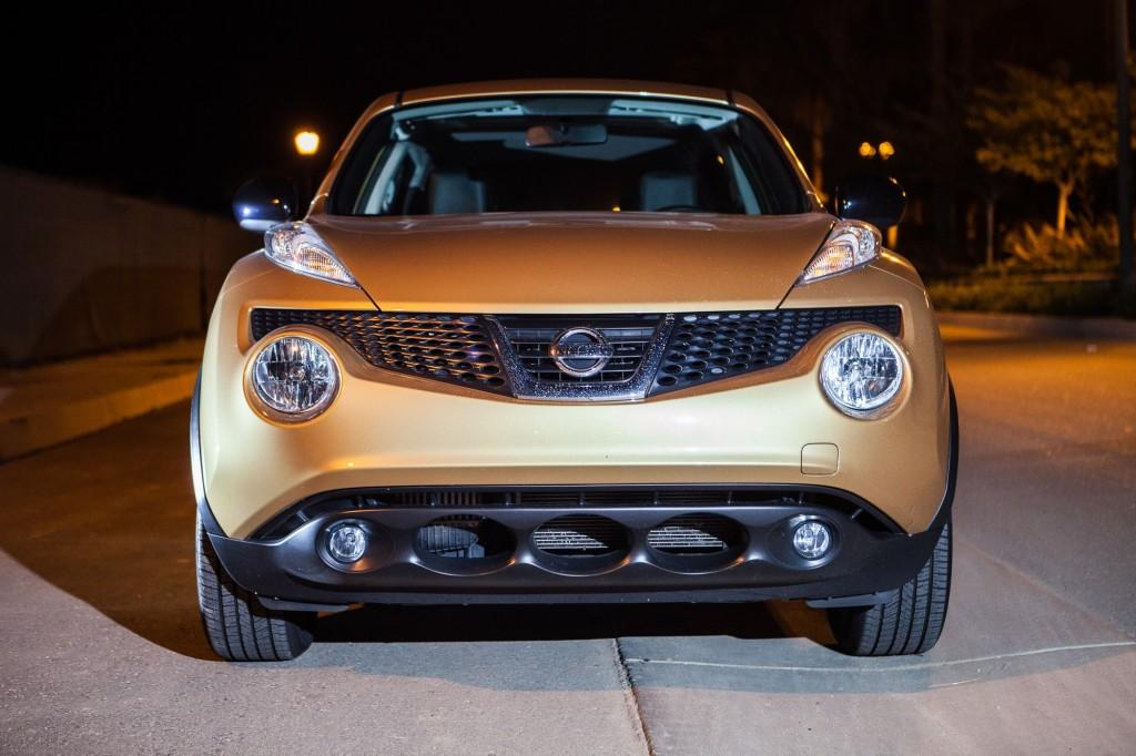 2013_Nissan_Juke_Atomic_Gold_0008