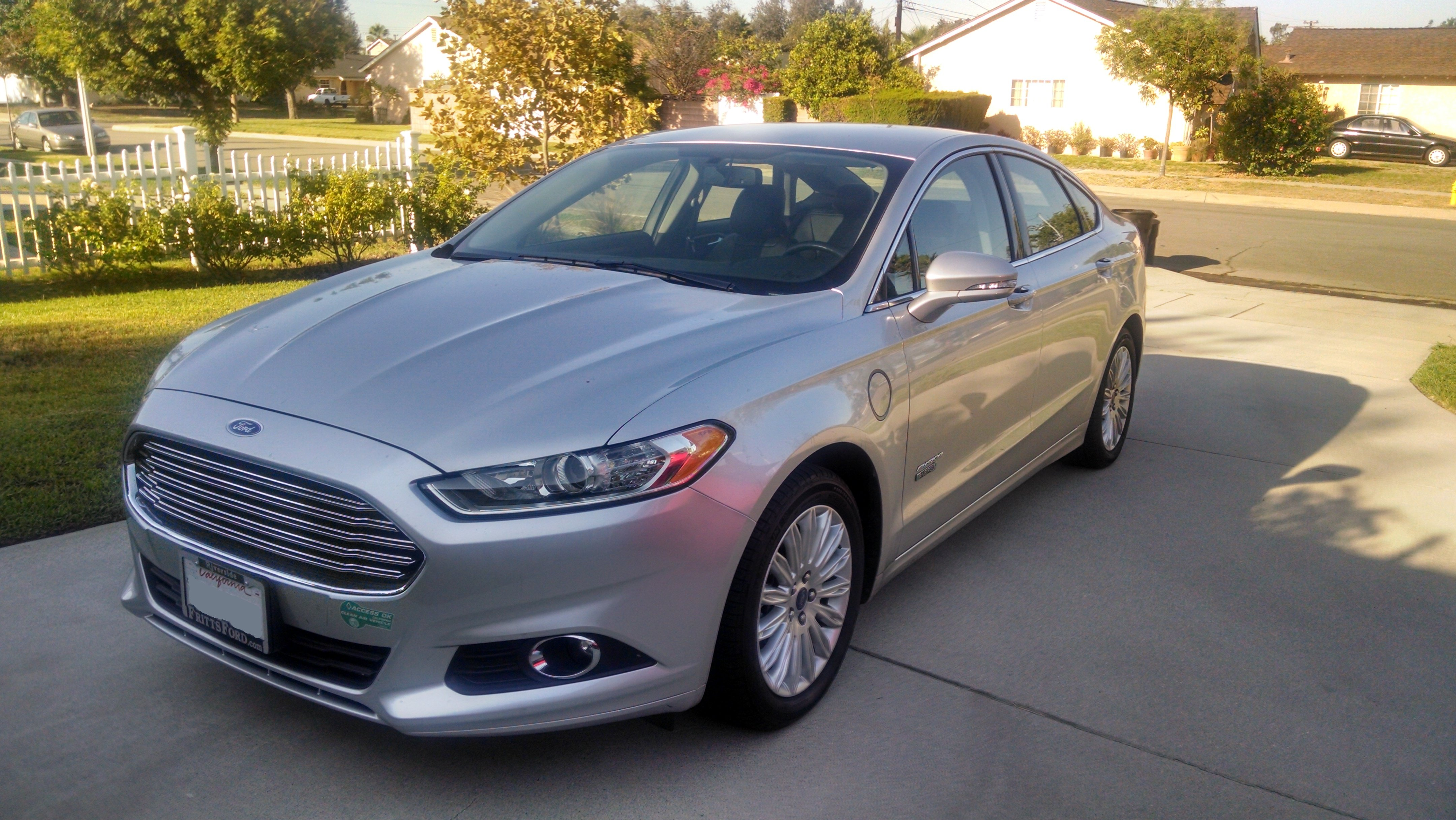 ford_fusion_energi_relay_rides