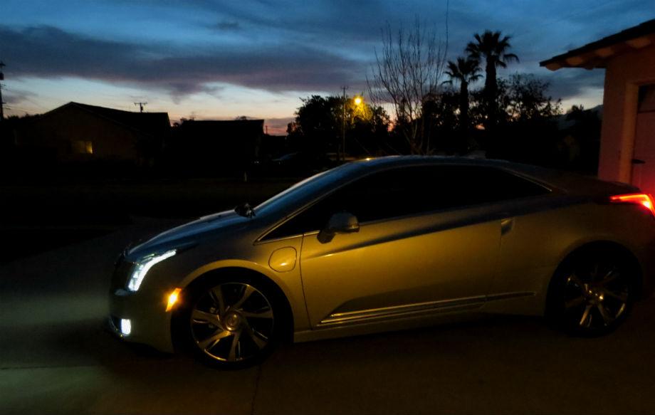2014_Cadillac_ELR_005