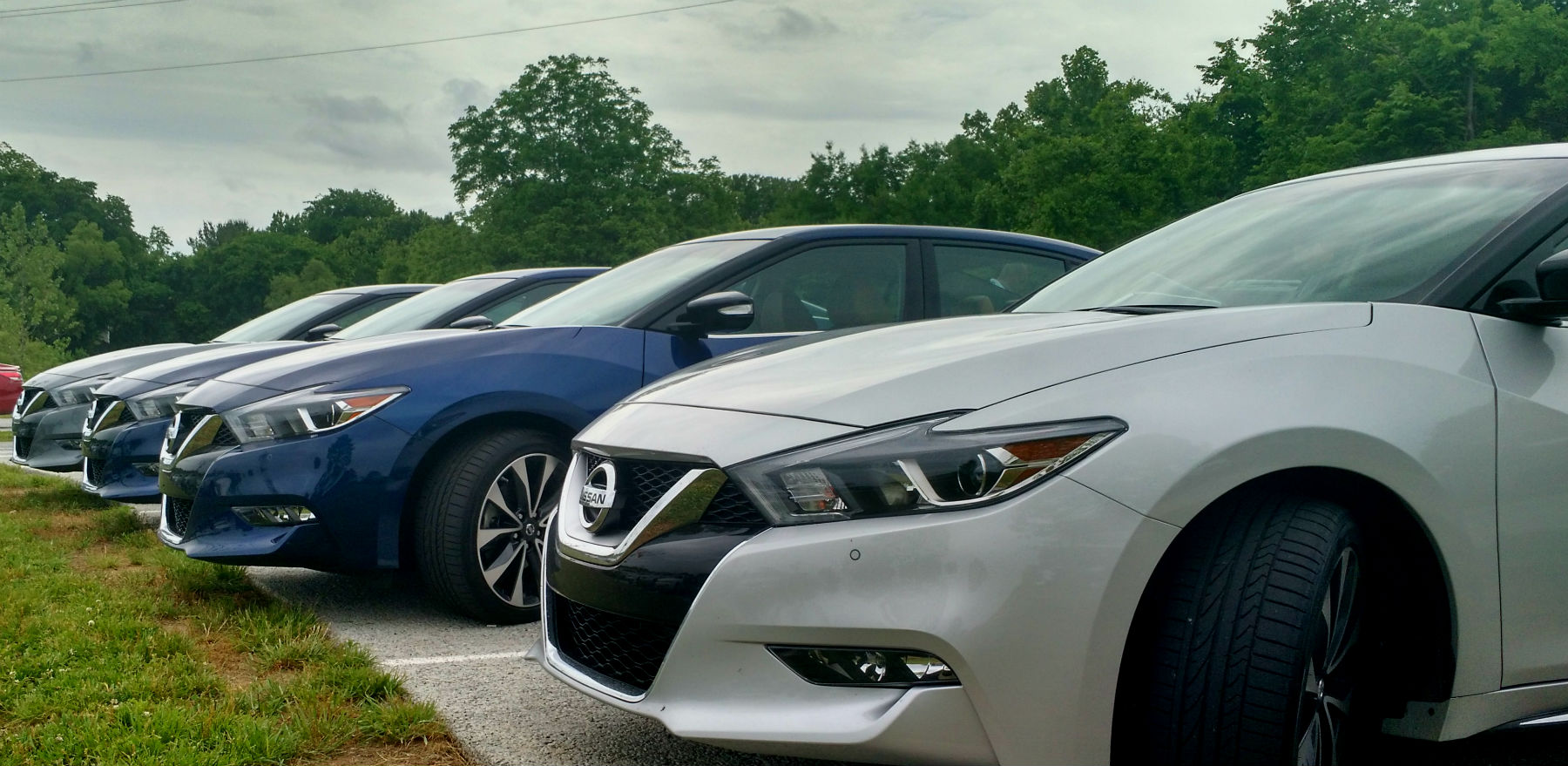 2016 Nissan Maxima - We Review the 4 Door Sports Car - The