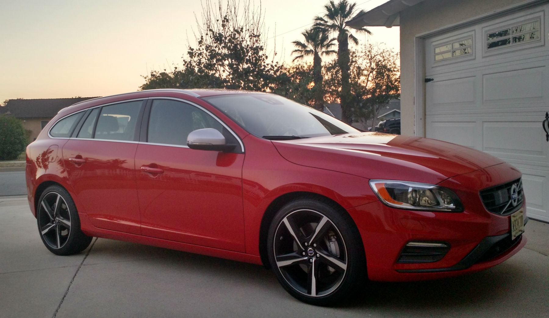 2015 Volvo V60 T6 R-Design Review - The Swedish Manvagn