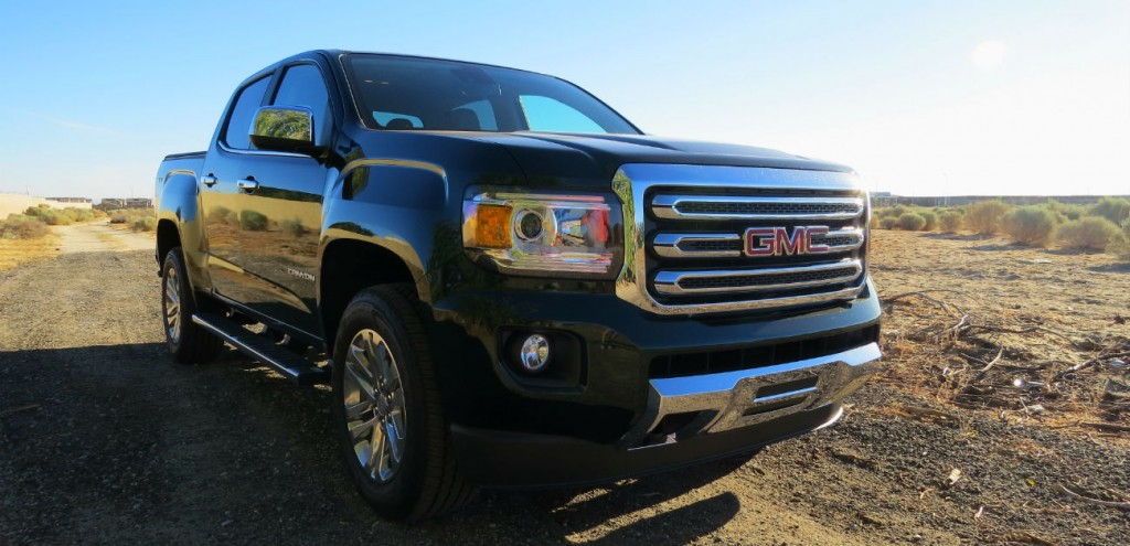 2015_GMC_Canyon_Green_Metallic_001
