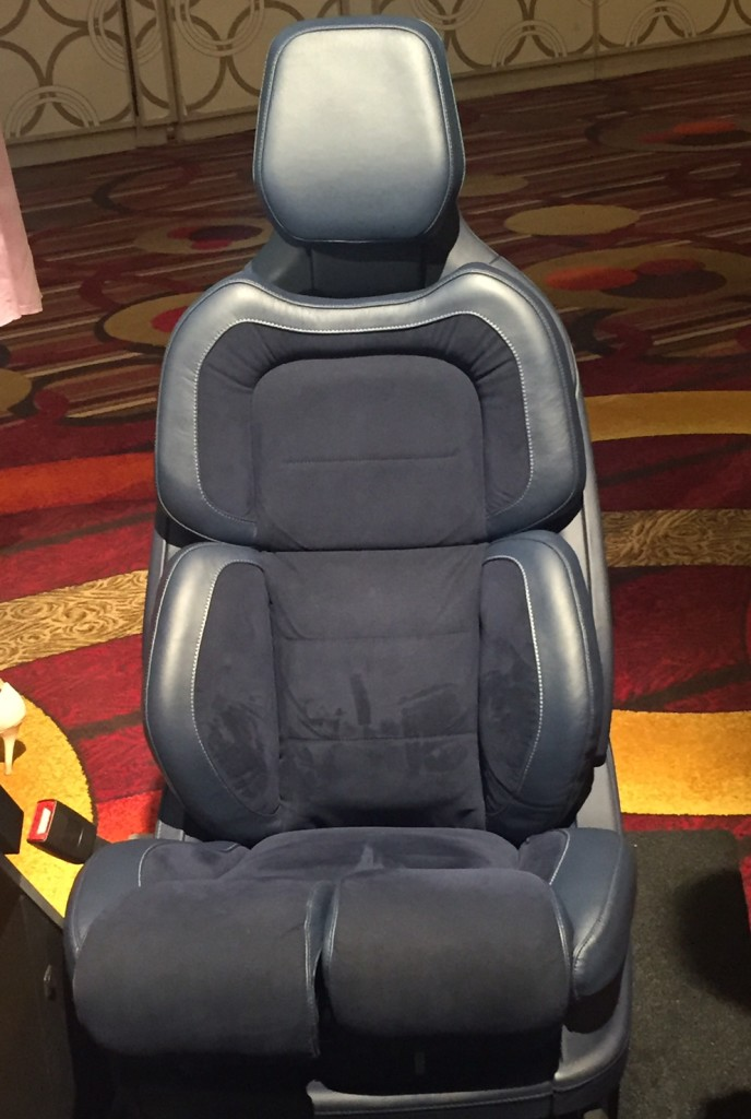 we sat in the new lincoln continental seats the ignition blog. Black Bedroom Furniture Sets. Home Design Ideas