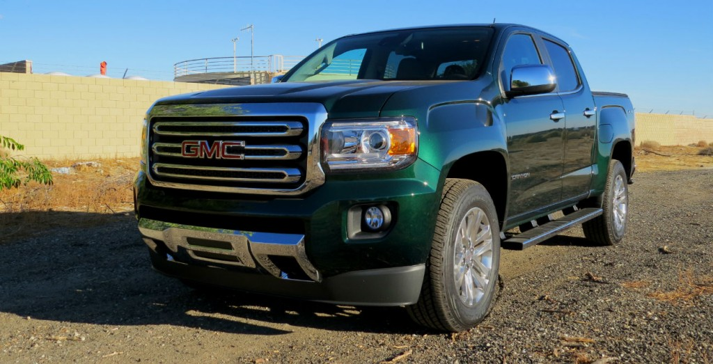 2015_GMC_Canyon_Green_Metallic_002