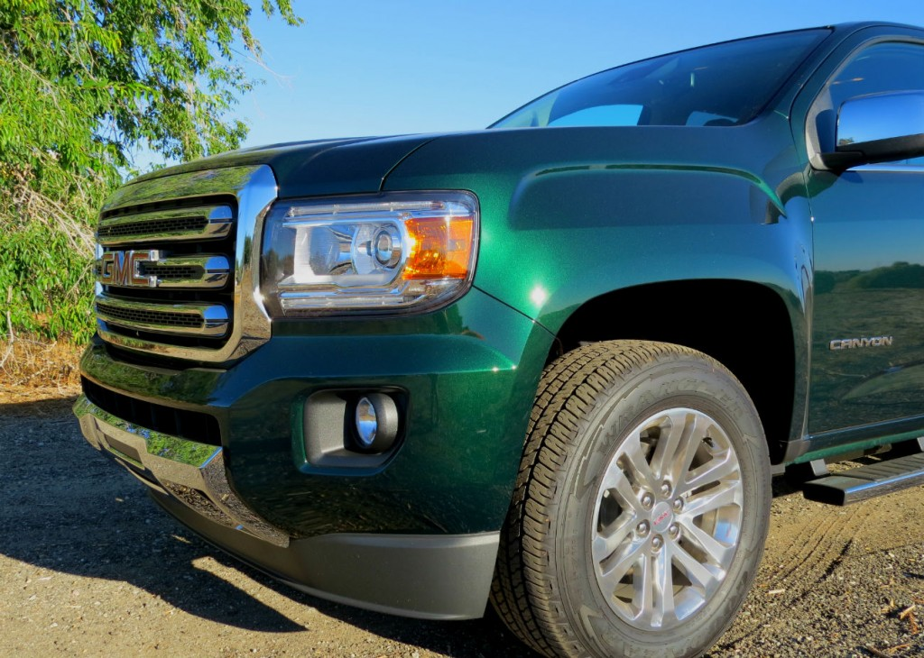 2015_GMC_Canyon_Green_Metallic_006.jpg
