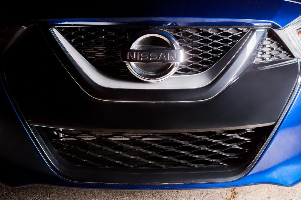 2016_Nissan_Maxima_SR_007