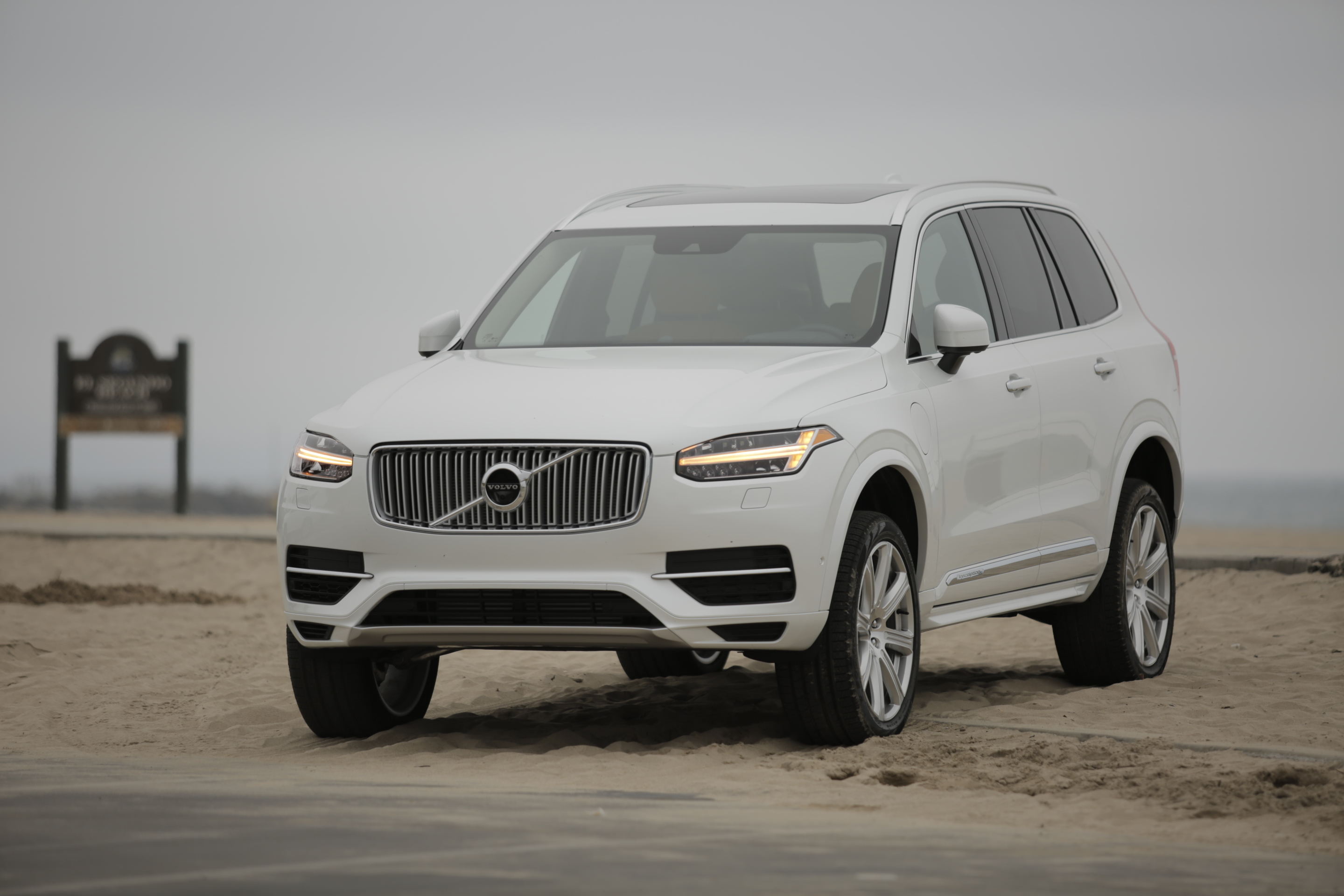 2016 volvo xc90 t8 meet the new volvo the ignition blog. Black Bedroom Furniture Sets. Home Design Ideas