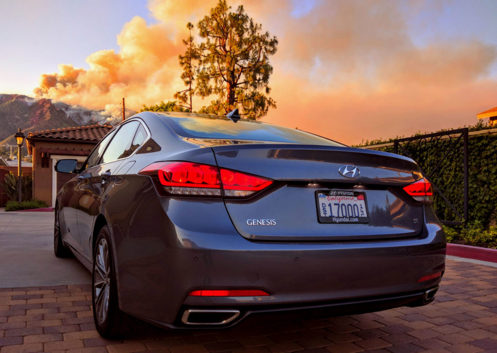 2016_Hyundai_Genesis_003