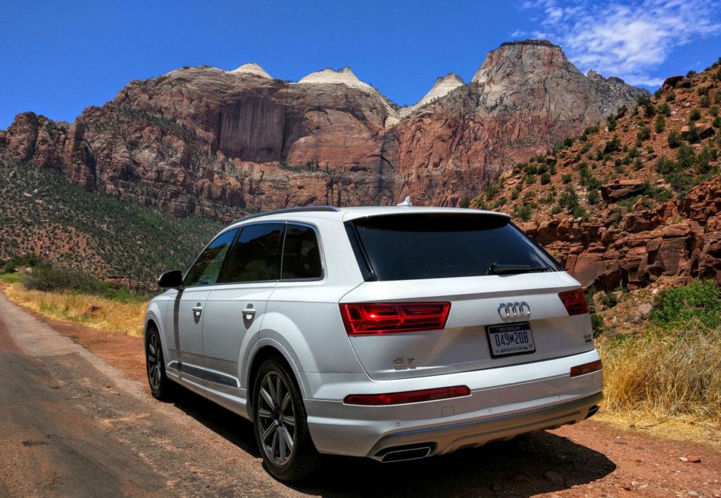 2017_Audi_Q7_Quattro_Glacier_White_005