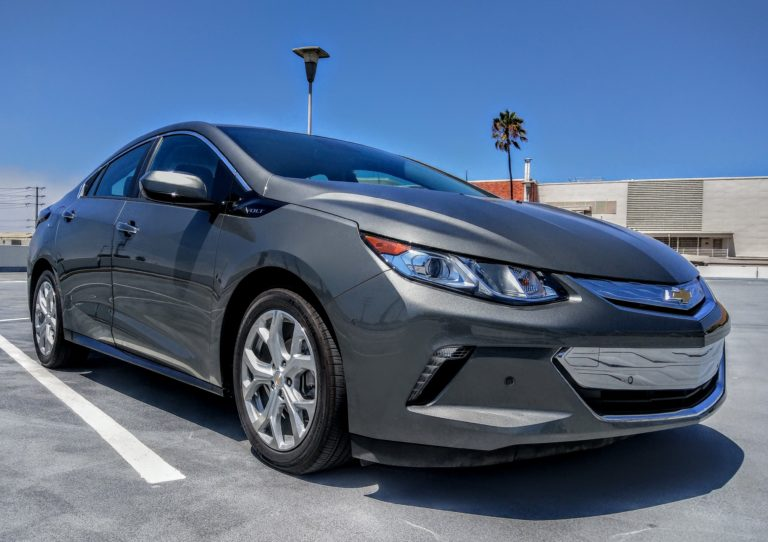 2017_chevrolet_volt_gray_002