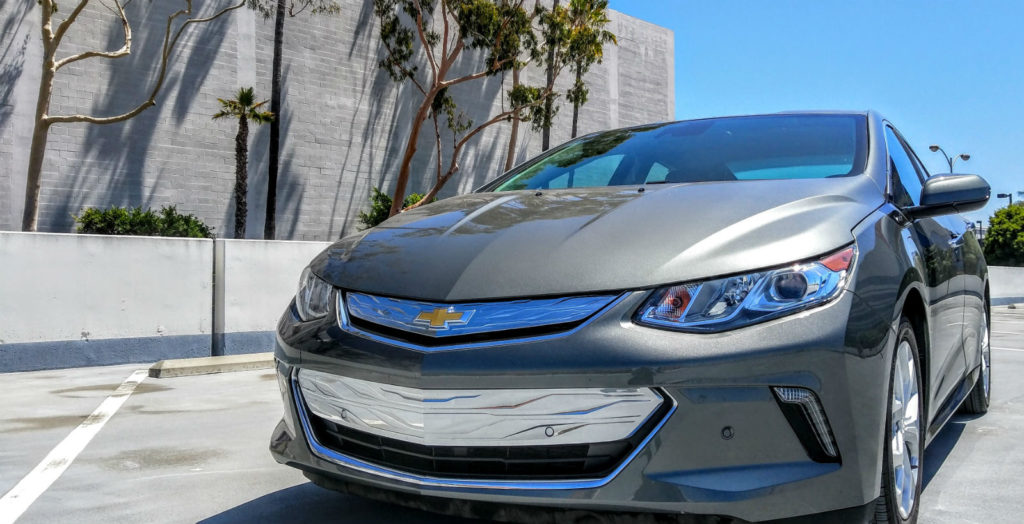 2017_chevrolet_volt_gray_010
