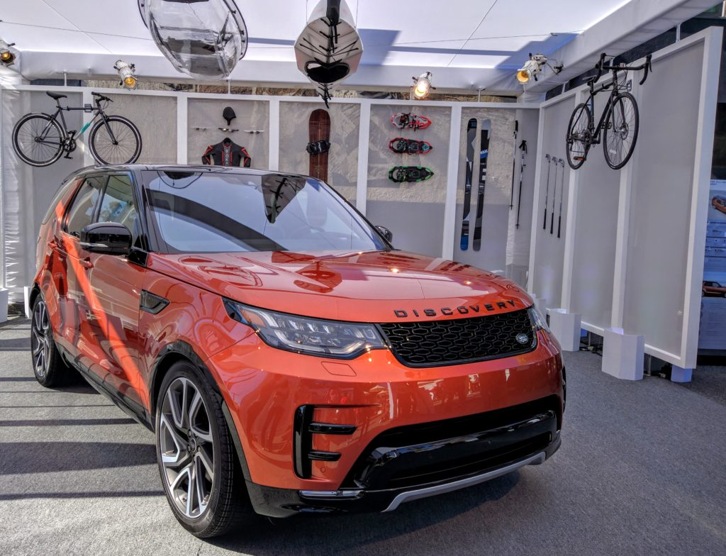 2017_land_rover_discovery_discoveryvenice_001