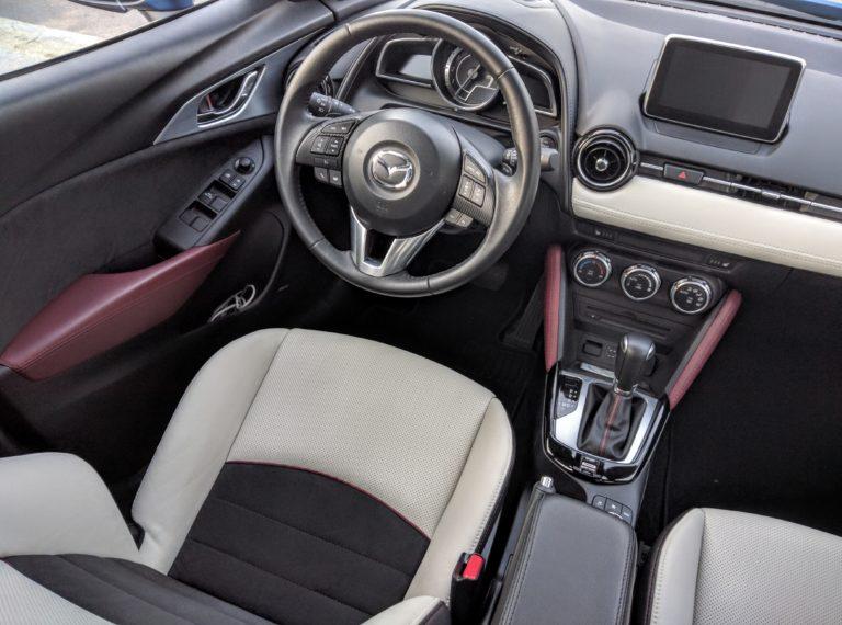 2017-Mazda-CX-3-Grand-Touring-Blue-Mica-006