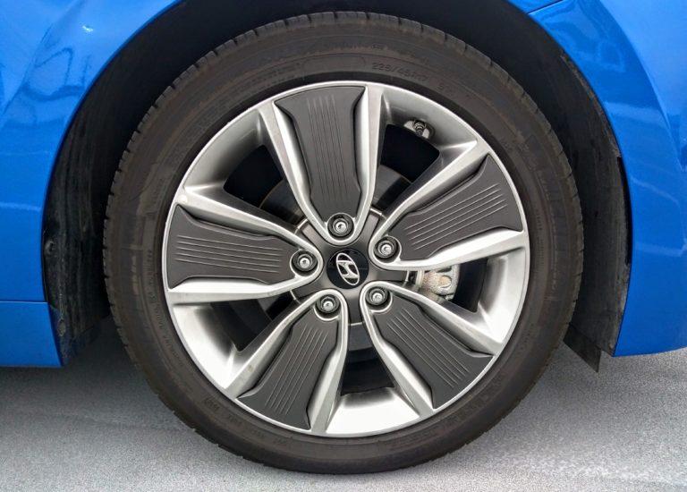 2017 Hyundai Ioniq Hybrid Limited 003