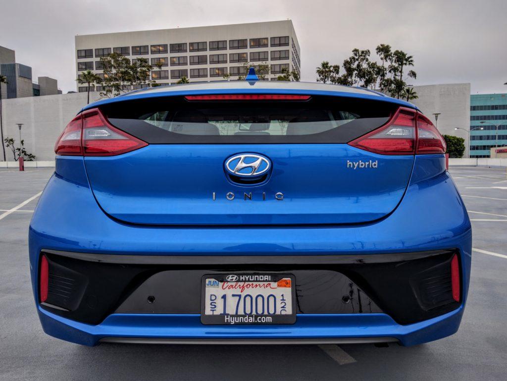 2017 Hyundai Ioniq Hybrid Limited 004