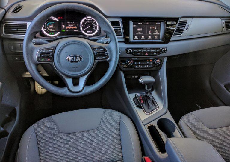 2017 Kia Niro LX Hybrid 003