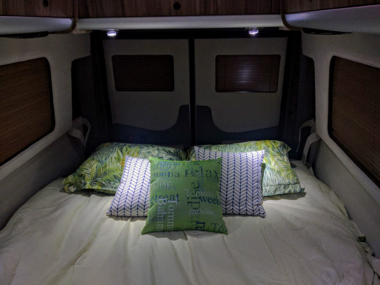 Airstream-Tommy-Bahama-Interstate-Touring-Coach-002