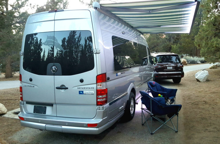 Airstream-Tommy-Bahama-Interstate-Touring-Coach-013