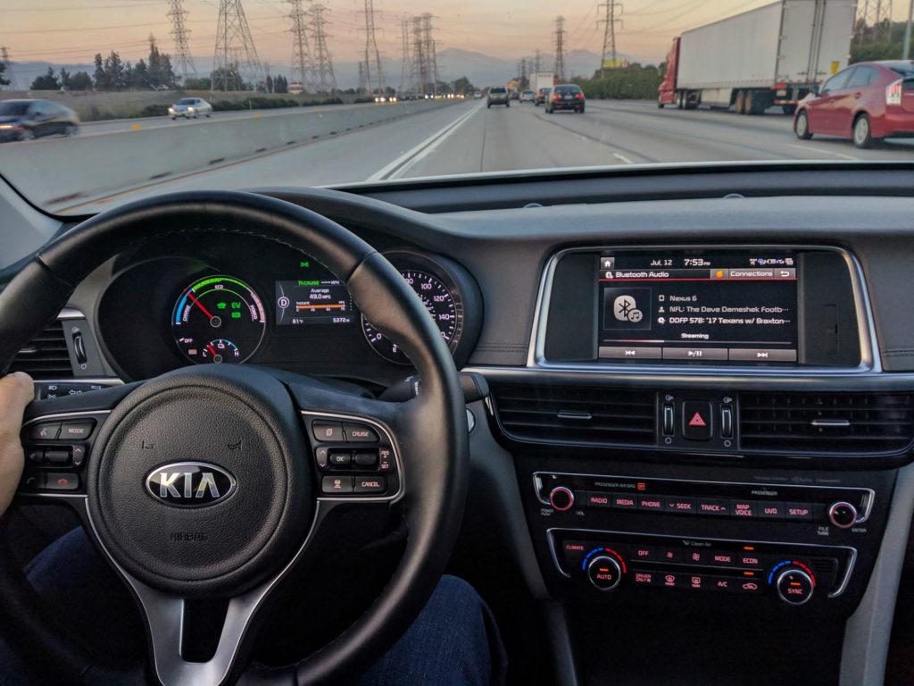 2017-Kia-Optima-PHEV-Review-004
