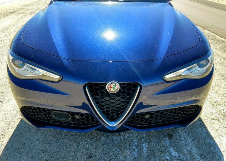 2018_Alfa_Romeo_Giulia_Ti_002