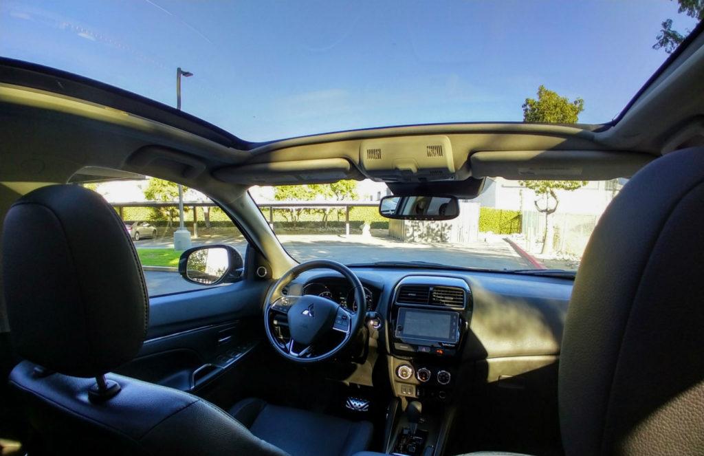 2018-Mitsubishi-Outlander-Sport-SEL-004