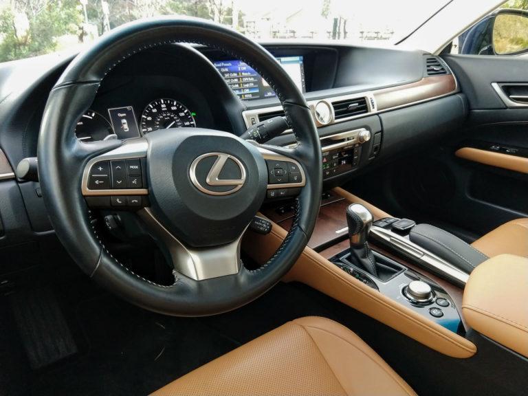 2017 Lexus GS450h 003