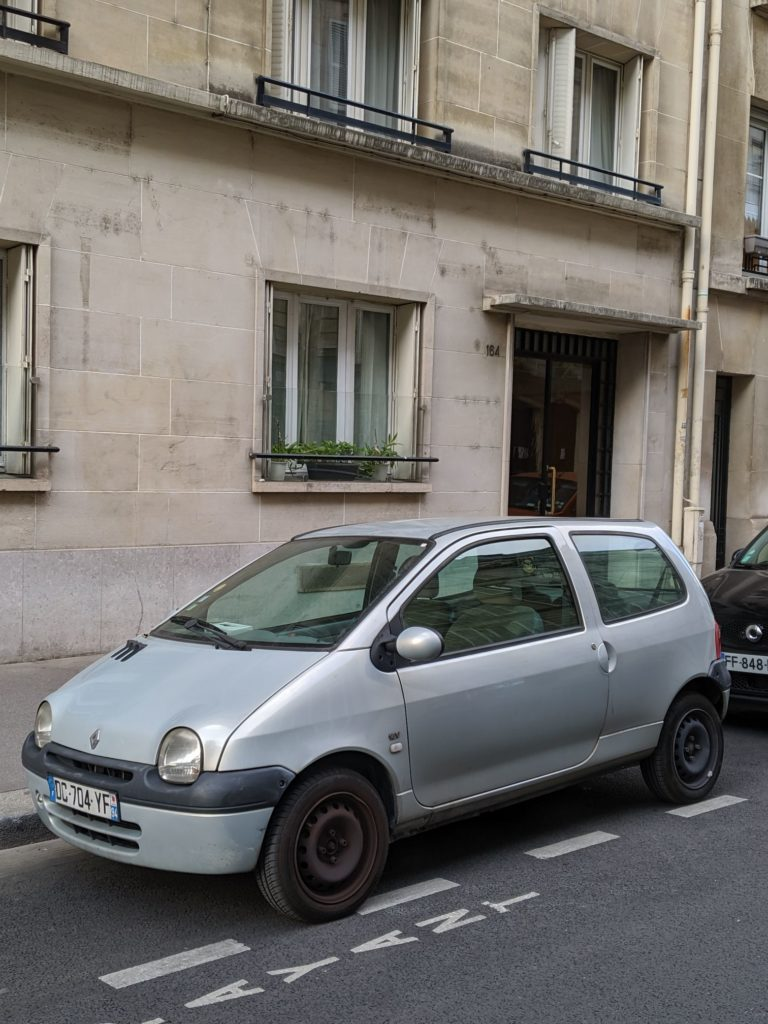Paris Cars Renault Twingo